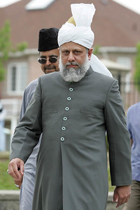 Huzur is arriving for Salat Prayers