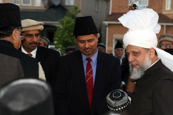 Hazrat Sahib arrives at Baitul Islam