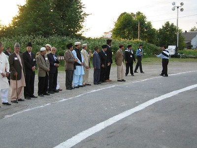 Aamla members are waiting for Huzur's Arrival