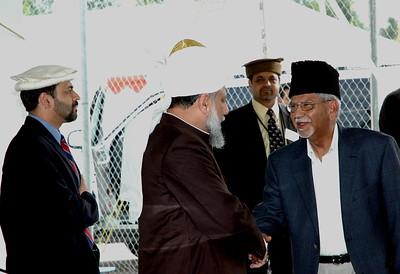 Huzur meeting with Khalifa Abdul Aziz Sahib Naib Amir Canada