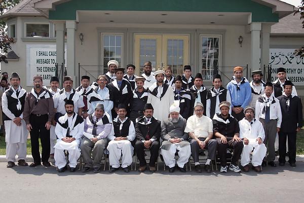 Group Photo with Majlis Amla Khuddam-ul-Ahmadiyya USA