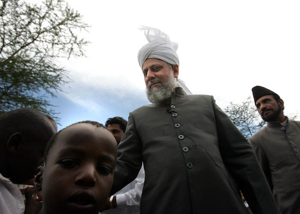 Children of Nakuru Meet Hazrat Sahib