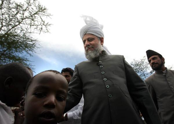 Children of Nakuru Meet Hazrat Sahib