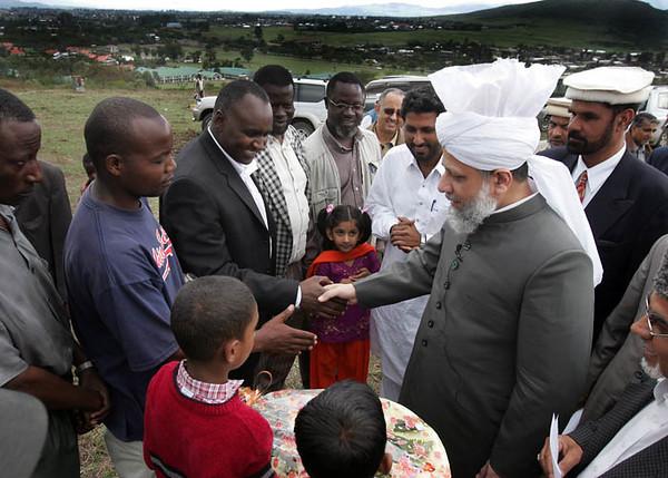 Greeting Ahmadis at Nakuru Mosque site