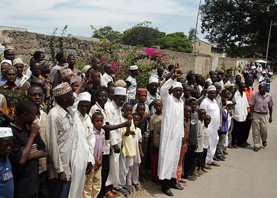 Ahmadis outside Mombasa Mosque