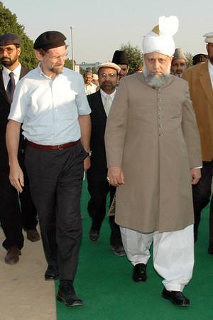 Huzur with National Amir Sahib