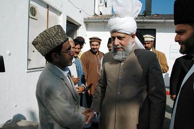 Huzur with Sadar Jamaat Immenhausen Abdul Mateen Abbasi