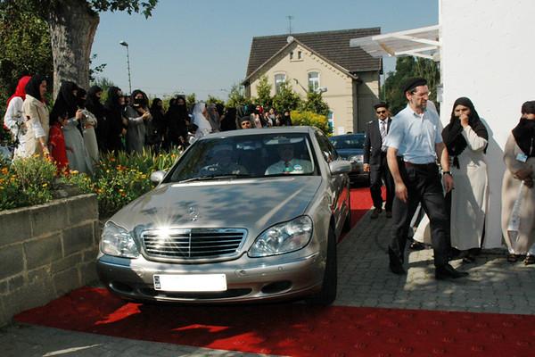 Huzur arrives in Bait-ul-Zafar