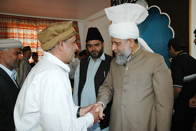 Huzur meets members of Immenhausen Jamaat