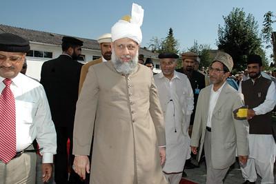 Huzur with Sadar Jamaat Immenhausen