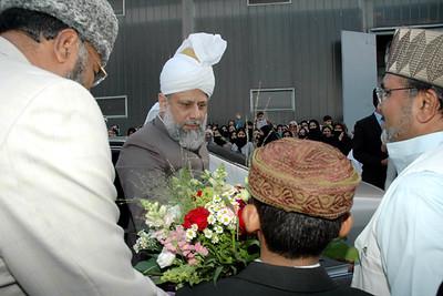 Falah-ud-Din Khan Sahib Amir Frankfurt receives Huzur