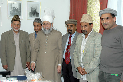 Mulaqat team having mulaqat with Huzur