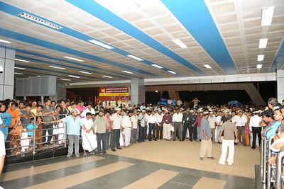 Calicut, KeralaCalicut Jamaat Member waiting for Huzur's Arrival at the airport