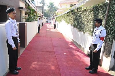 Way to Umar Masjid Ernakulam - waiting for Huzoor's arrival