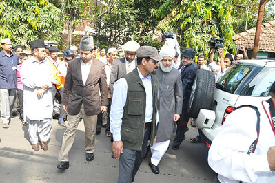 Arriving at Umar Masjid