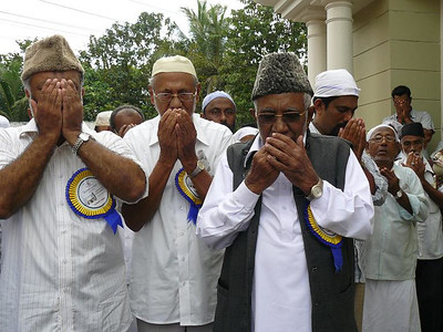 Silent prayers after inaugration
