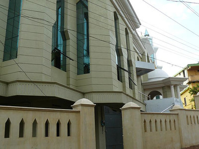 Side view of Masjid Mahmood