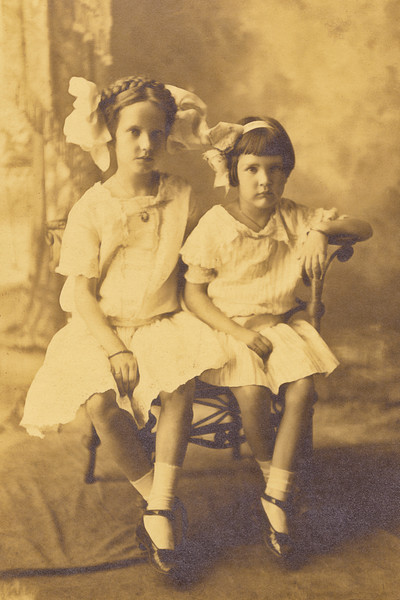 9–Elizabeth & Lavona Fowlkes