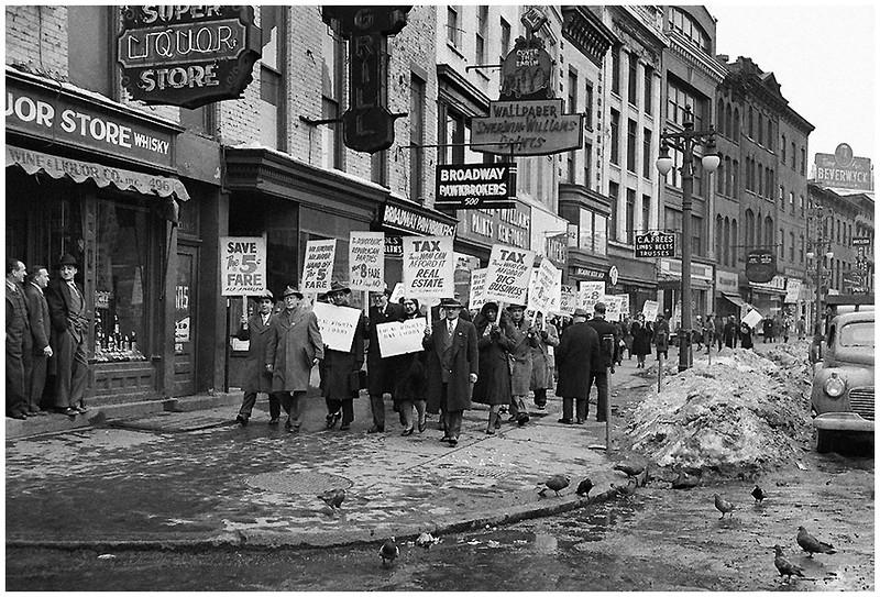 Albany NY Broadway at Maiden Lane 1948