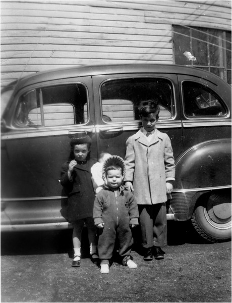 Judy, Sue and Pete Bessette Waterford Grace St 1948