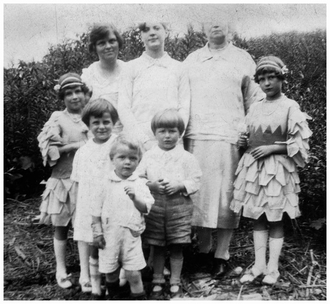 Alice Contois Amyot with maybe brother and mother with Marietta, Lucille, Paul, John and Mary Berthe Amyot circa 1927