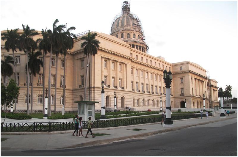 Kim Cuba Capitolo 2 March 2017