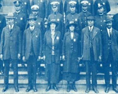 Emma Baker and Hettie Brewer, 1924