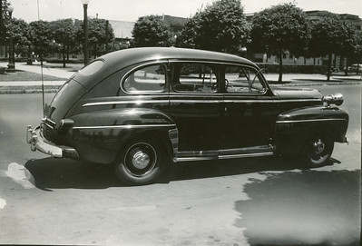 1946 Ford Squad 12 IPD Police car