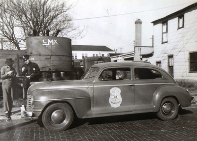 1940's police car
