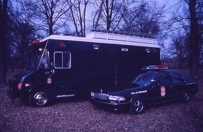 IPD Car and command vehicle
