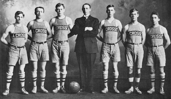 1912 UWL Basketball