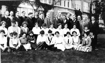 1920-22 UWL Circa Group Graff Main Hall