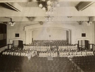 1911 UWL Chorus Main Hall Auditorium (Director Harriet Oltman)