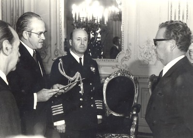 New Zealand's Ambassador to Chile John McArthur Snr at the presentation of credentials to Chile's President Salvador Allende, 1973.