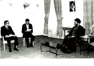 New Zealand Ambassador to Iran Richard Woods in conversation with Iranian President Ali Khamenei after presentation of credentials, February 1984.