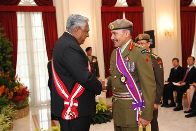 Lieutenant General Sir Jerry Mateparae being conferred Singapore's highest military award, the Darjah Utama Bakti Cemerlang – Tentera (Distinguished Service Order – Military) by President S R Nathan at the Istana (Presidential Palace), 27 May 2011.