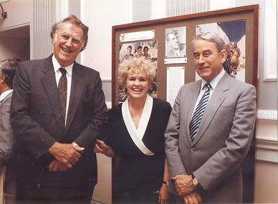 New Zealand High Commissioner to the UK Bryce Harland with Sir Edmund Hillary and the Director of the National Library of Ireland at the opening of a New Zealand exhibition, 1990.