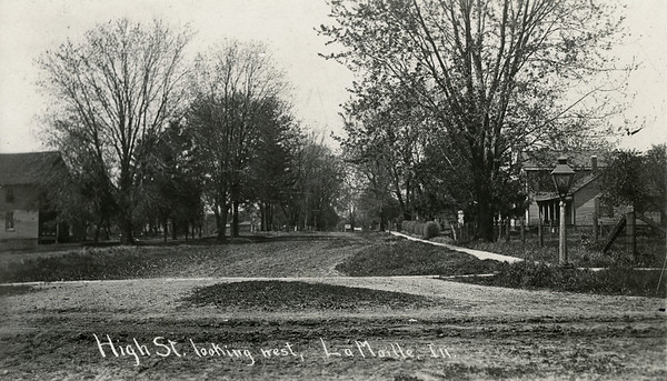 1905 (about), High St looking West, La Moille IL