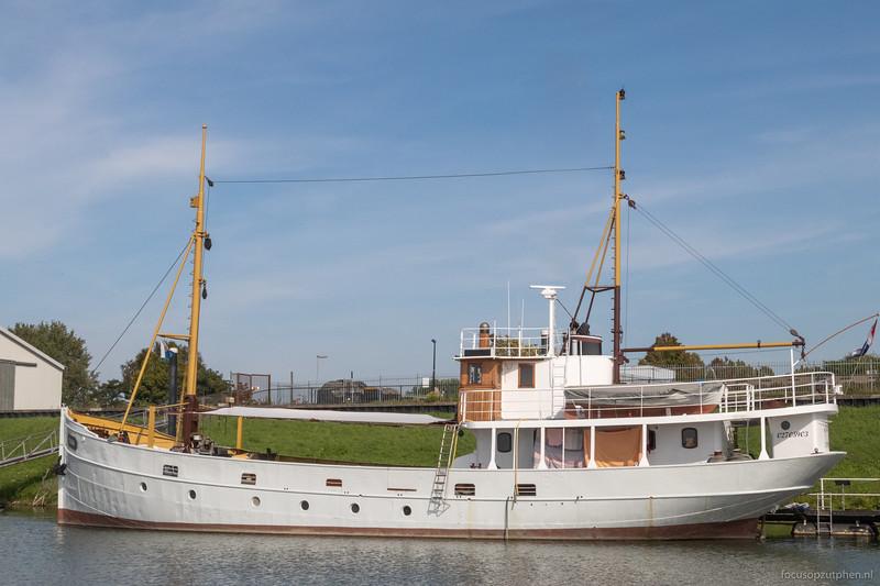 Naias in de Museumhaven