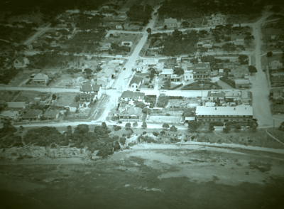Aerial shot from 1938 of Kingscote
