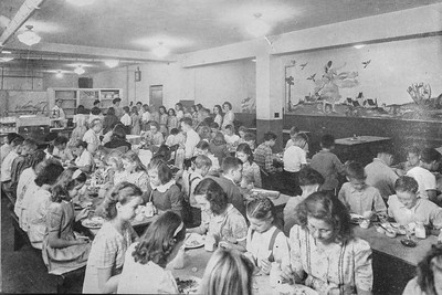 Robert E. Lee School - Cafeteria