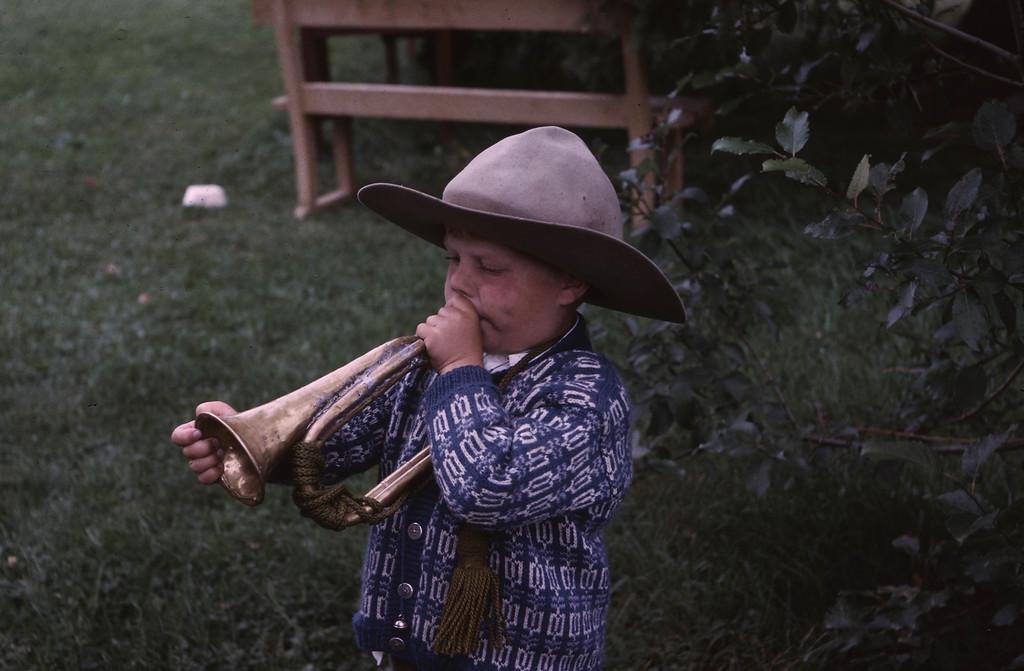 Svein spiller på posthornet