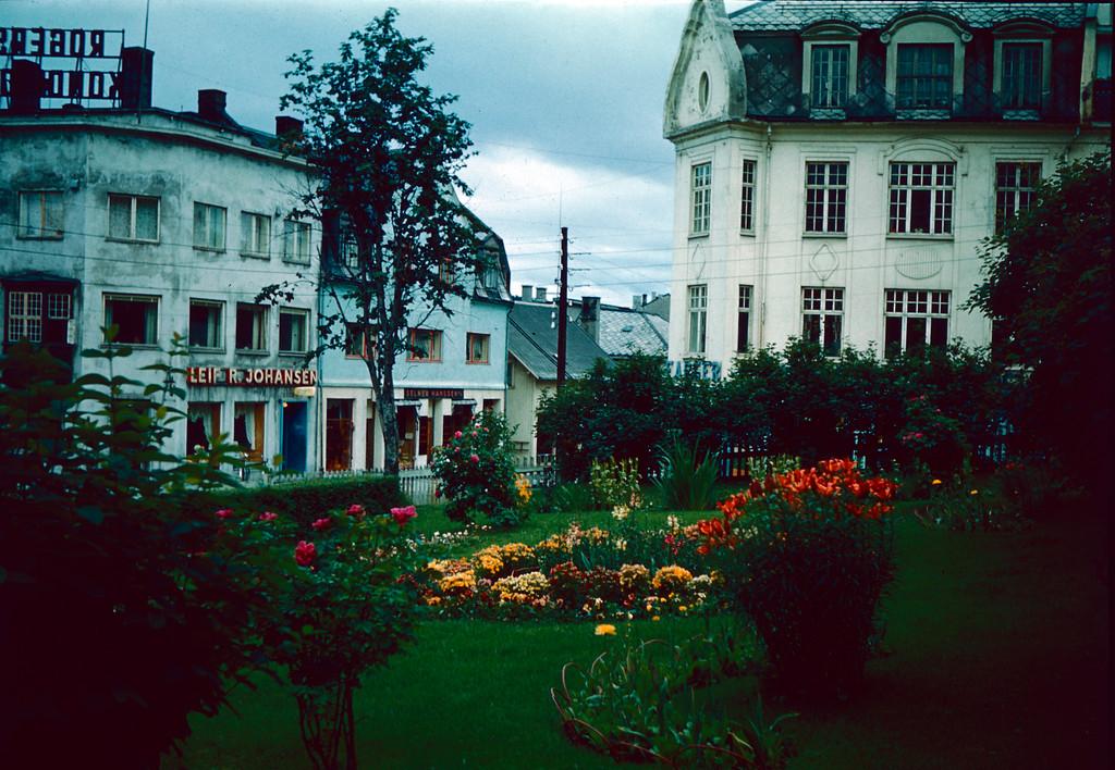 Fra Harstad sentrum et sted.<br /> Bildet er tatt på reisen i 1959.