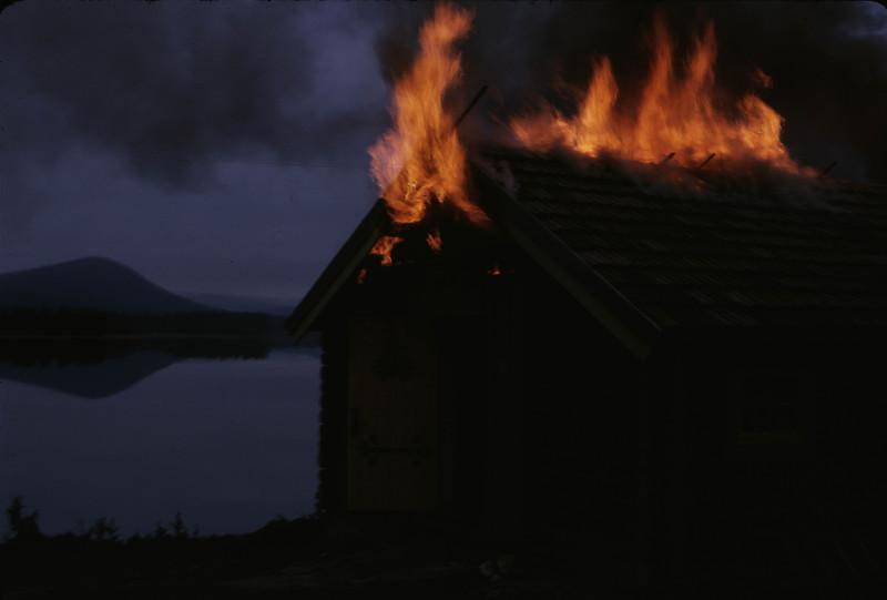 Hytta brenner