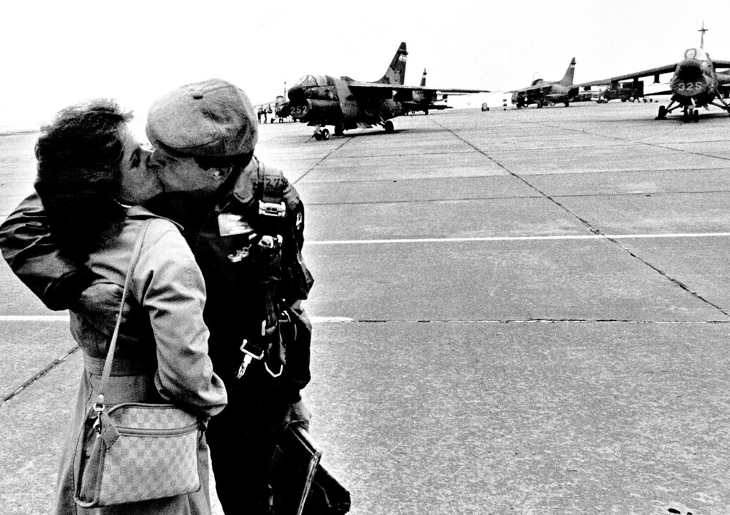 . OCT 15 1984.  Christy Oakes greets her husband Lt. Russ  Oakes on his arrival from Turkey.  (ED Maker/The Denver Post)