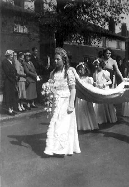 1953 Josephine Edge (aged 10) as Rose Queen in the Coronation Year
