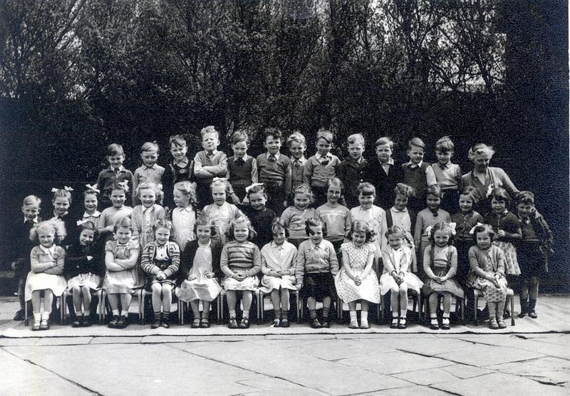 1954/55 School photograph, Mrs Mackay's class, Back row left, Michael Buckley,????,Karen ??, ????, Janet Farrington, Jacqueline Holt, ???, Brian Deakin.<br /> Front row, Marjorie James, Judith Hawkins, ????, Carol Peachey, ????, Jean Holden, ???,
