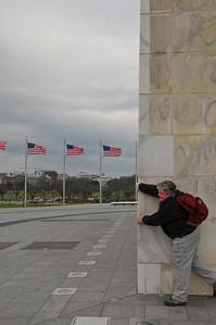 Very windy at Washington Monument