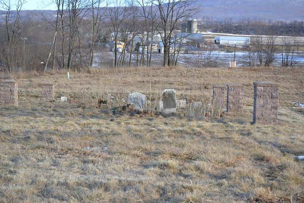 Abandoned Stoner Cemetery (Waynesboro, PA)