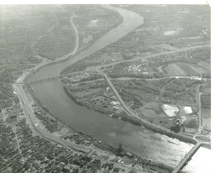 Agawam Aerial View  Ct River